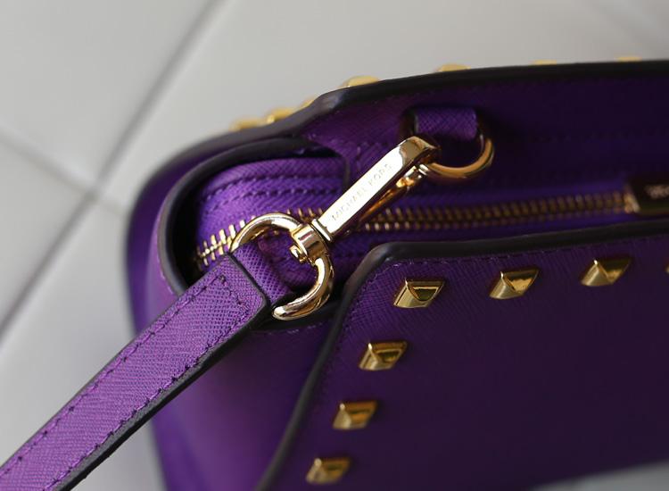 淘宝热销女包 MK Michael Kors 蝙蝠铆钉包小号紫色十字纹牛皮斜挎包