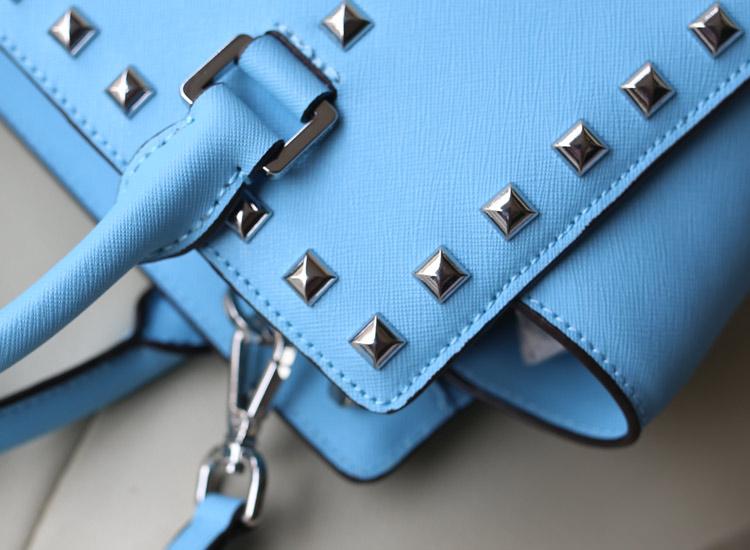michael kors MK新款女包 原版十字纹牛皮冰蓝中号铆钉包蝙蝠手提包