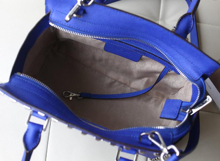 热销michael kors MK铆钉包 原版十字纹牛皮电光蓝中号蝙蝠包