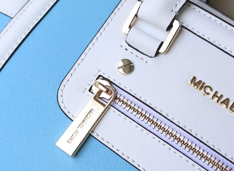 MK新款出货 十字纹牛皮 真皮拼色蝙蝠包 浅蓝拼白色 手提包