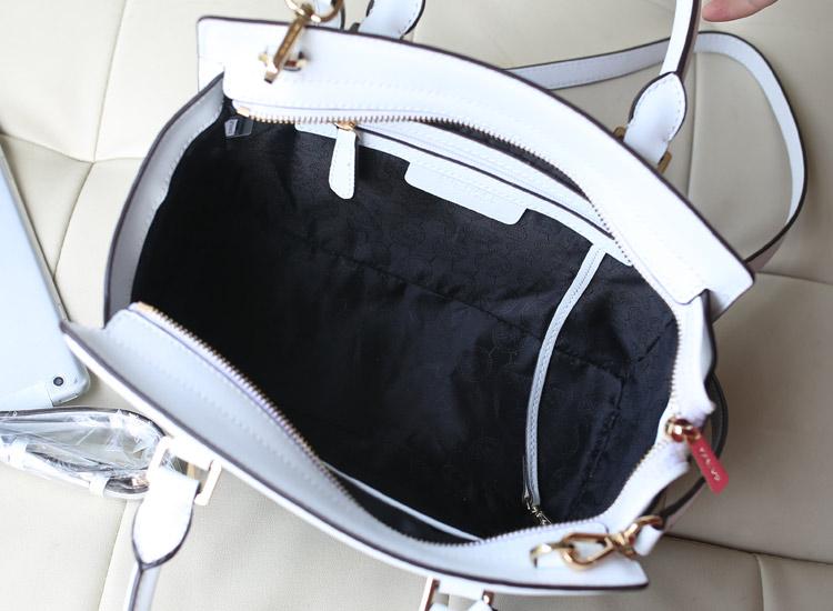 MK新款 十字纹牛皮 白色拼黑色 真皮拼色蝙蝠包中号原版皮