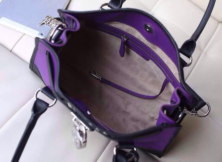 一件代发 MK新款拼色铆钉锁头包 紫色原版十字纹牛皮真皮女包