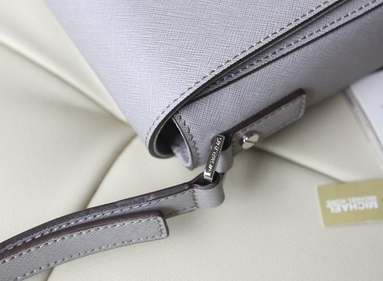 MK Hamilton锁头邮差包  灰色原版十字纹牛皮女士单肩斜挎包