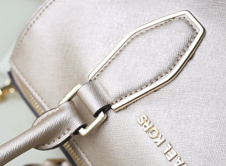 时尚欧美女包 MK原版十字纹牛皮 链条枕头包贝壳包 金色手提女包