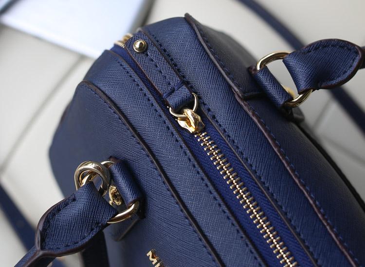 MK包包批发 原版牛皮贝壳枕头包中号 女士手提包斜挎包 宝蓝色