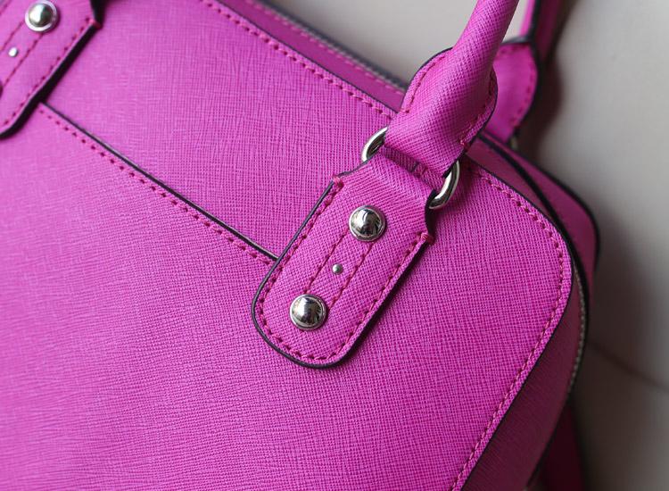 一件代发 MK原版进口牛皮女包 新款贝壳包枕头包中号 荧光玫红