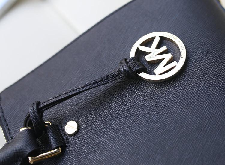 MK秋冬新款杀手包小号 黑色 进口原版十字纹牛皮女士手提斜挎包