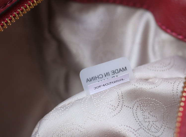 厂家直销 MK专柜同步秋冬新款原版羊皮菱格中号蝙蝠包酒红色 真皮女包手提单肩包