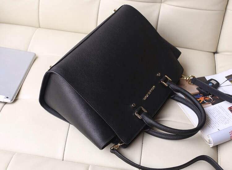广州MK包包批发 MK原版十字纹牛皮大号蝙蝠包笑脸包 时尚手提女包斜挎包 黑色