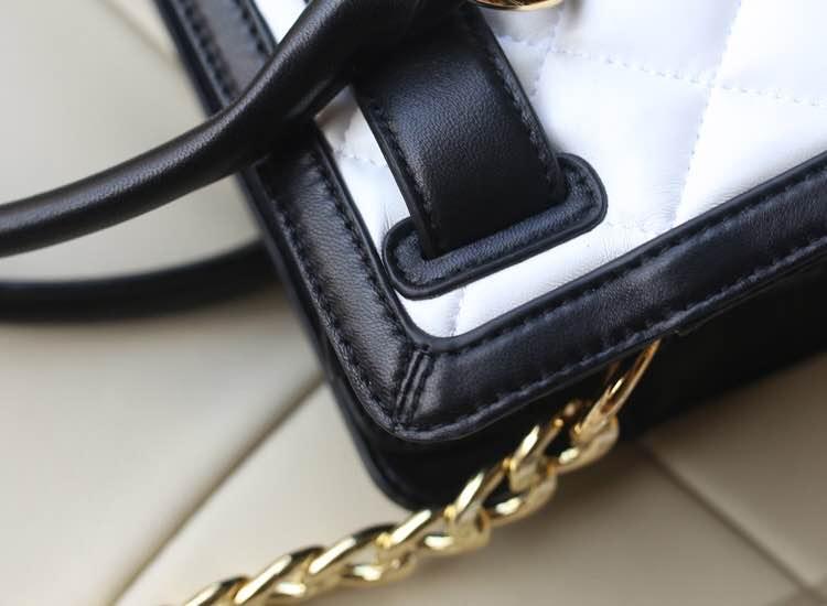 MK2014官网同步新款 顶级羊皮菱格锁头包 黑拼白 时尚女款手提包单肩包