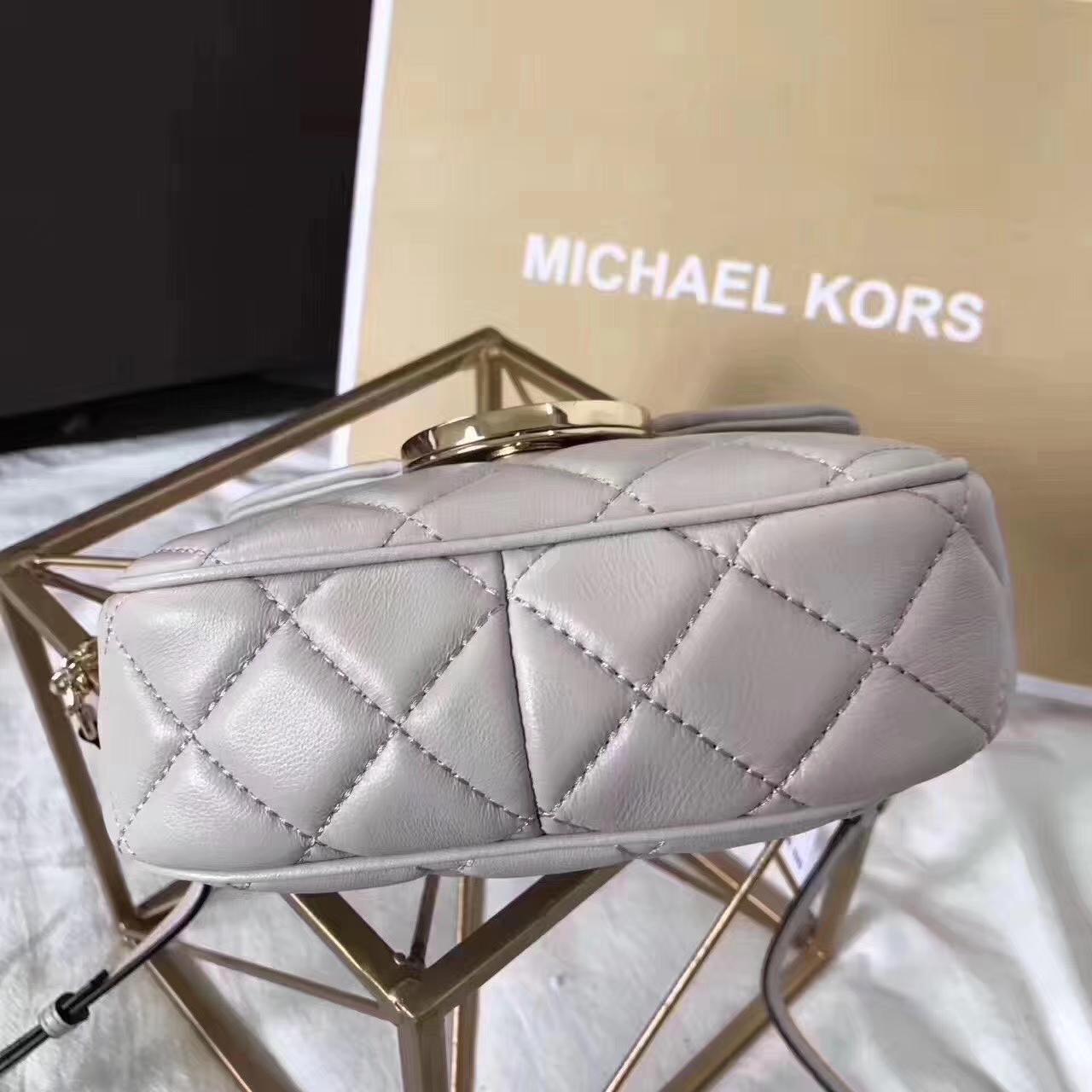 厂家直销 MK迈克尔高仕灰色进口小羊皮菱格链条单肩斜挎小包18CM