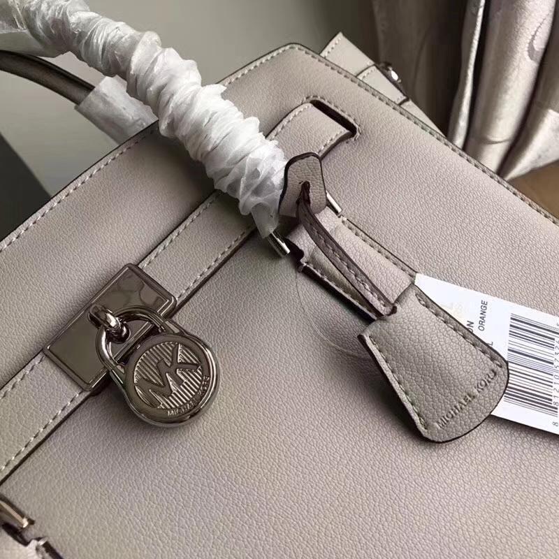 MK包包官网 迈克科尔斯灰色山羊纹牛皮锁头包手提单肩女包
