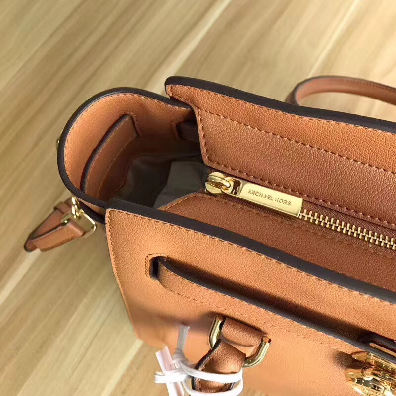 厂家直销 MK迈克科尔斯进口山羊纹牛皮锁头包手提单肩女包 棕色