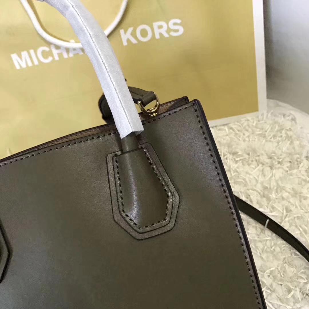 MK包包官网 迈克科尔斯橄榄绿色纳帕牛皮爱心形铆钉Mercer托特包22cm