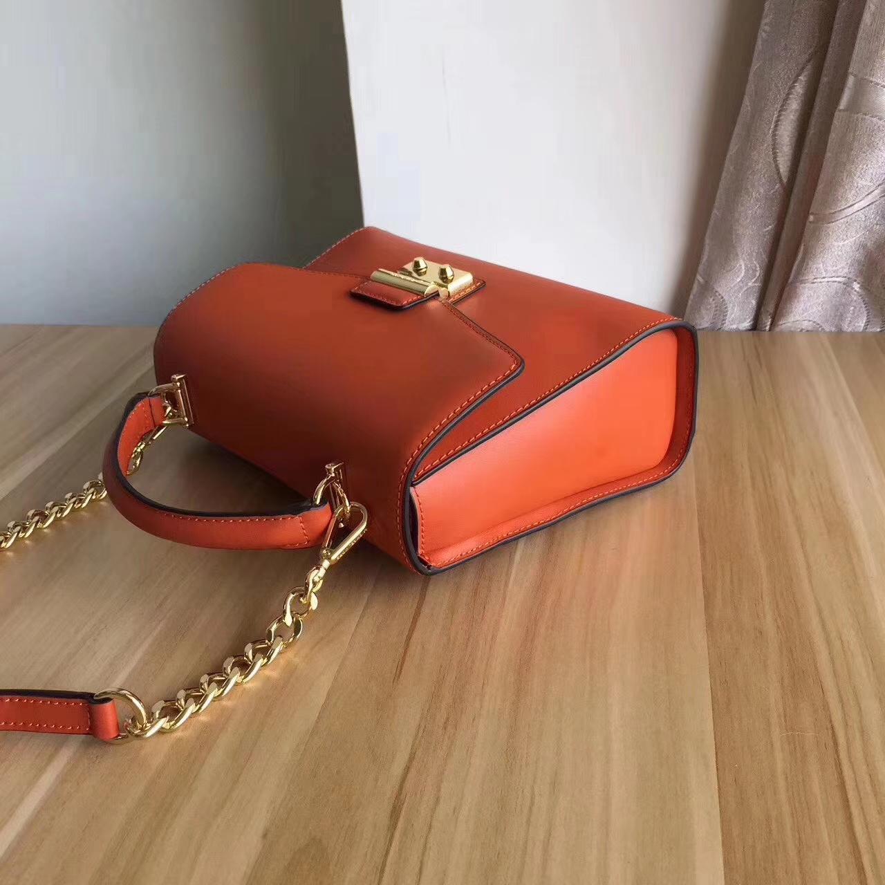MK女包价格 迈克科尔斯新款头层纳帕牛皮链条单肩斜挎包包24cm 橙色