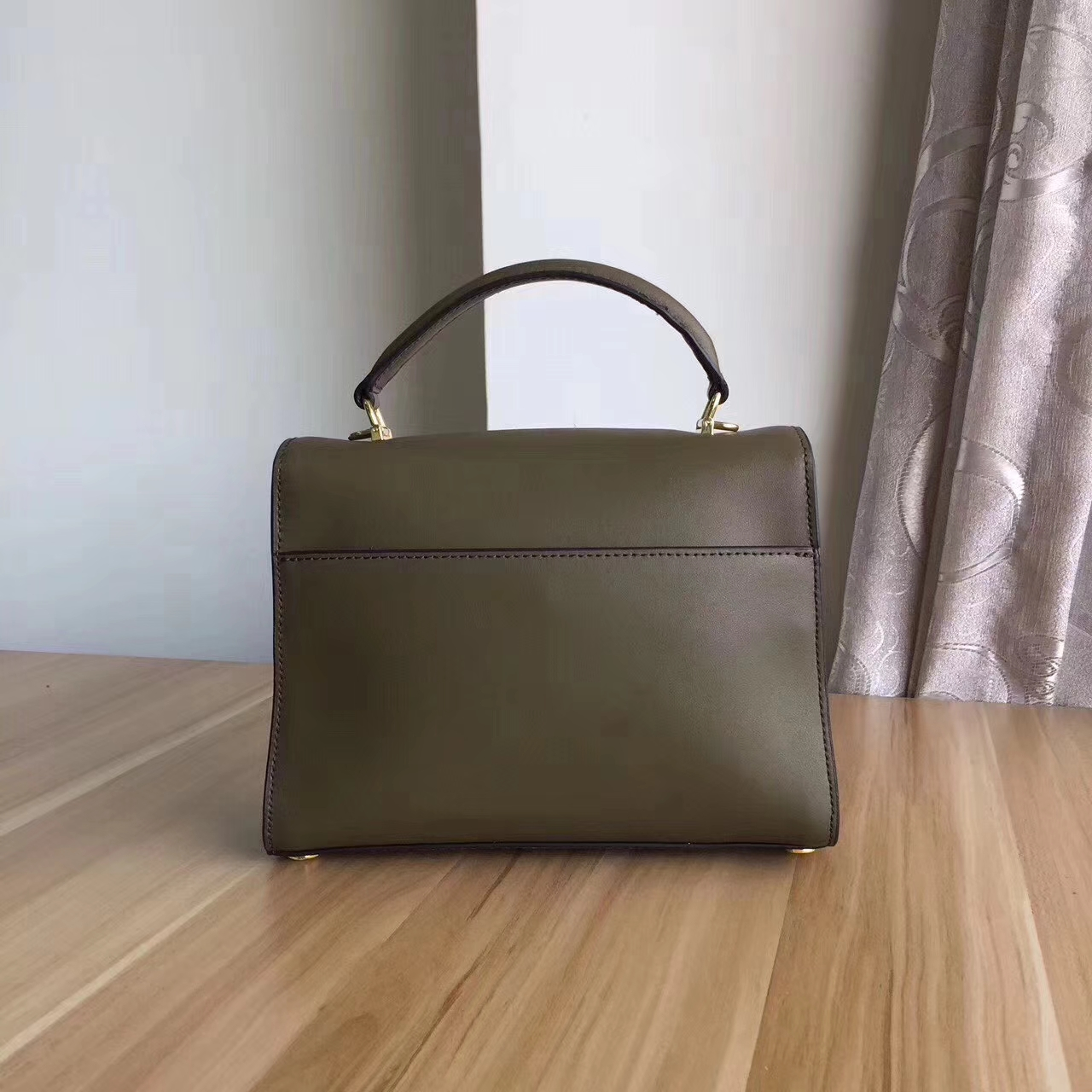 迈克高仕新款包包 MK头层纳帕牛皮手提女包链条单肩包24cm 橄榄绿色