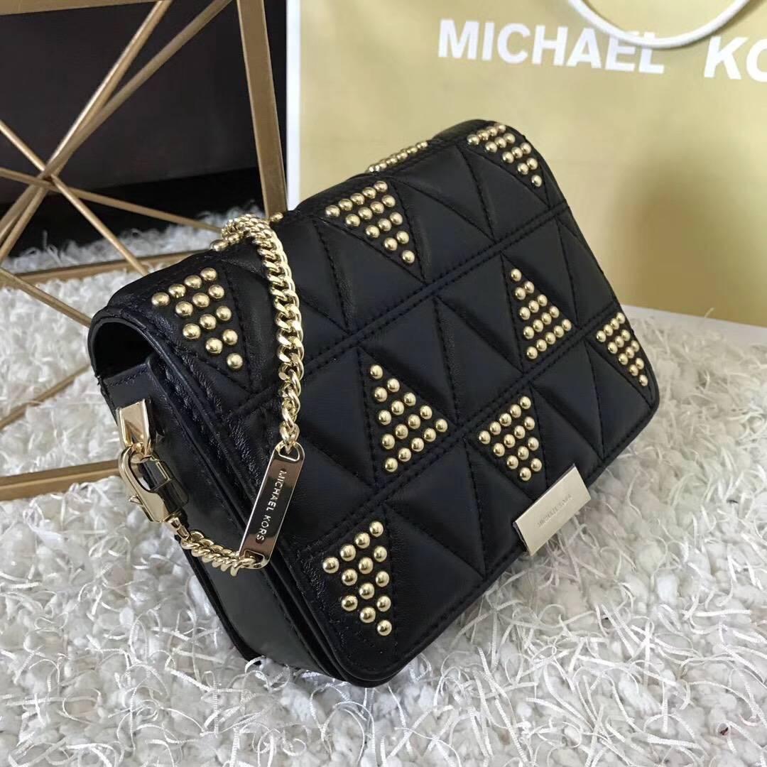 MK包包批发 迈克高仕黑色羊皮三角钉刺绣链条单肩斜挎女包18cm 金钉