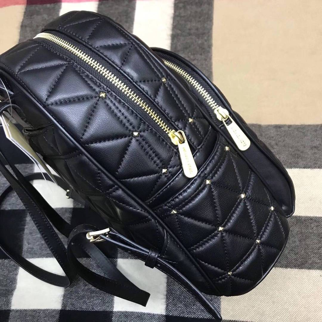 MK新款双肩包 迈克科尔斯黑色三角车线原单羊皮铆钉背包书包双肩包