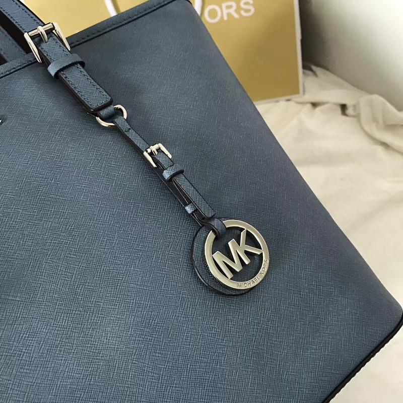 MK包包批发 迈克高仕MK车菊蓝色原单十字纹牛皮单肩购物袋32cm