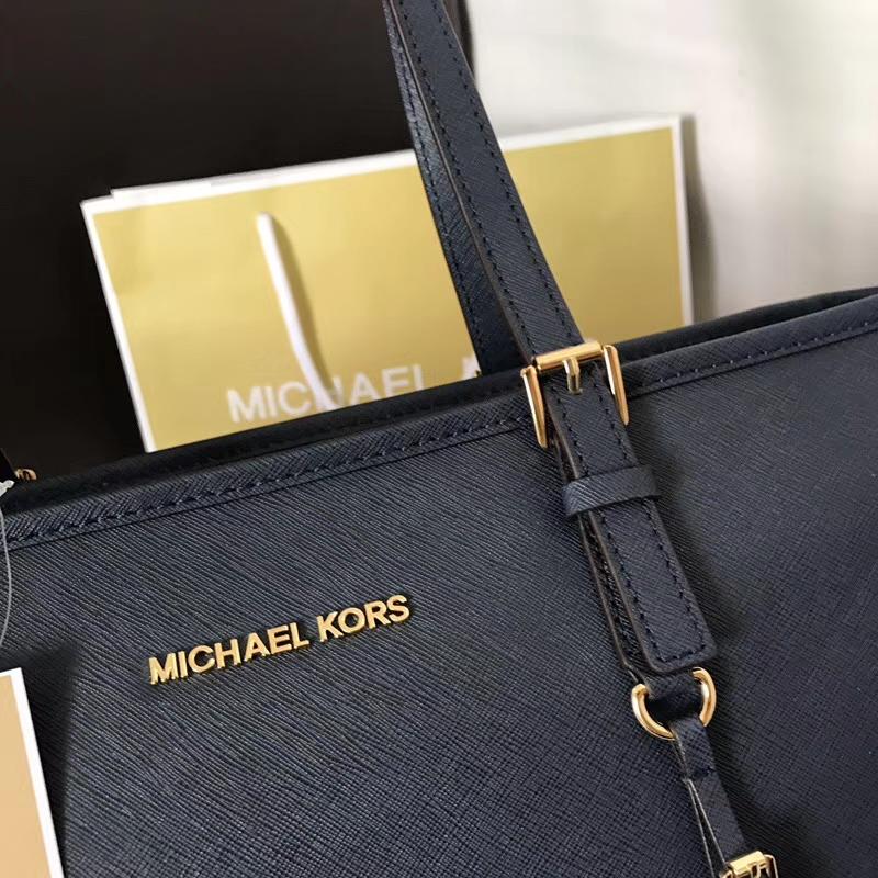 迈克高仕包包批发 MK十字纹牛皮拉链购物袋单肩女包 深蓝色