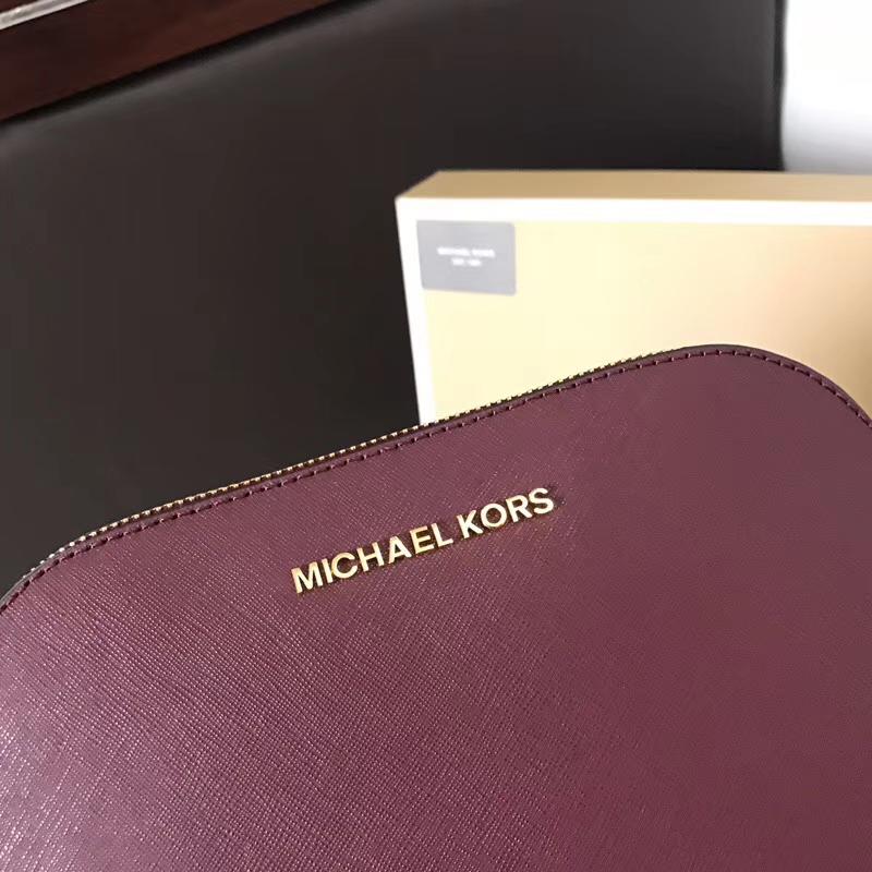 迈克高仕包包 MK原单十字纹牛皮链条贝壳包小号单肩斜挎女包 酒红色