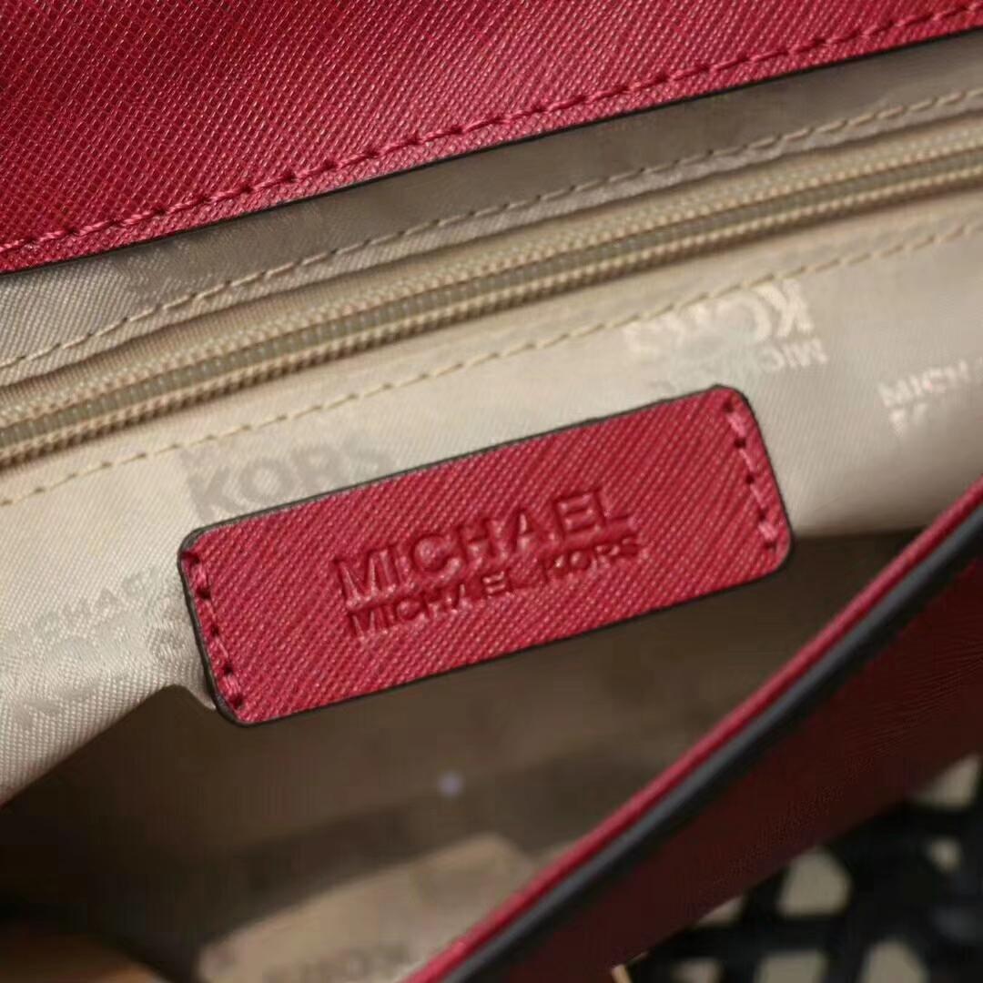 厂家直销 MK迈克科尔斯中国红十字纹牛皮新款铆钉链条斜挎女包23CM